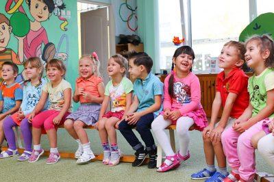 Kinderbetreuungsangebot - Kinder im Kindergarten