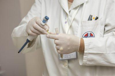 Weiterleitungspflicht von Ärzten, die aus Gewissensgründen keine Sterbehilfe praktizieren wollen