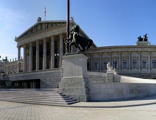 """Ö/ Sozialleistungen: Parlament beschließt """"Papamonat"""" und die Anrechnung der Elternkarenz"""