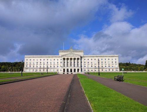 """GB / Abtreibung: """"Homo-Ehe"""" und Abtreibung sind nun in Nordirland legal"""